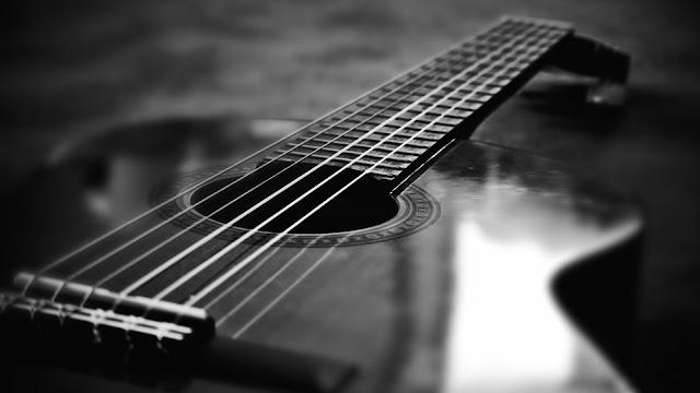 Cách tránh đau cổ tay khi học chơi đàn GUITAR