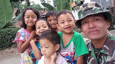 Semakin Akrabnya Anak-Anak Rempoah Dengan Satgas TMMD