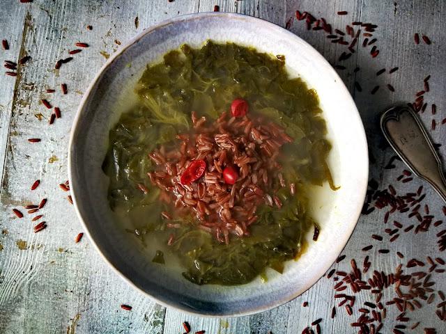 Vege szczawiowa z czerwonym ryżem