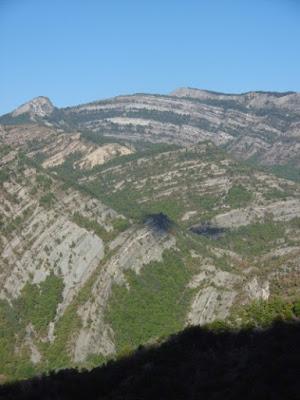 Vue sur l'autre versant des gorges, vers Facibelle, malooka