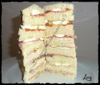 http://cucinaconlara.blogspot.it/2013/12/finto-panettone-gastronomico-torre-di.html
