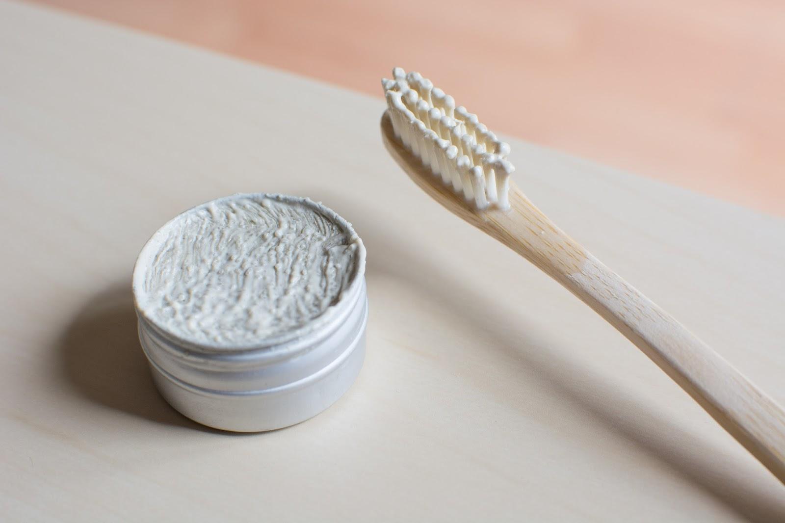 utilisation-dentifrice-solide