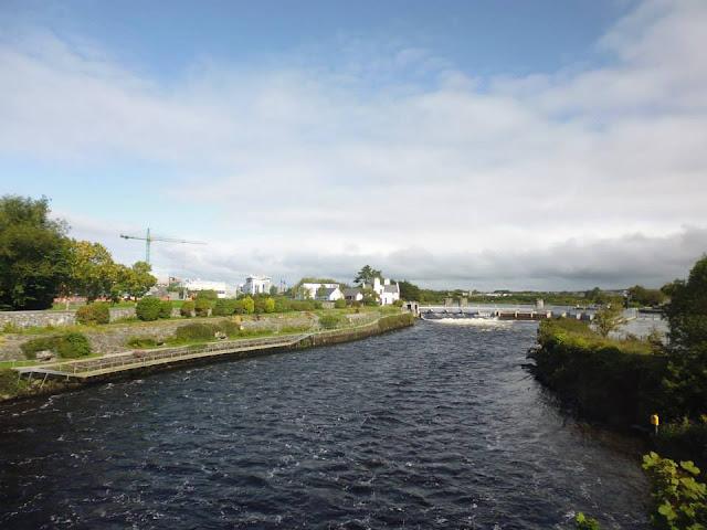 Presa y Puente del Salmón en Galway (Irlanda) (@mibaulviajero)