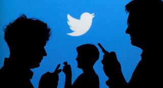 """مستخدمو """"تويتر"""" يتلقون إشعارات غريبة والمنصة تؤكد إصلاح الخلل"""