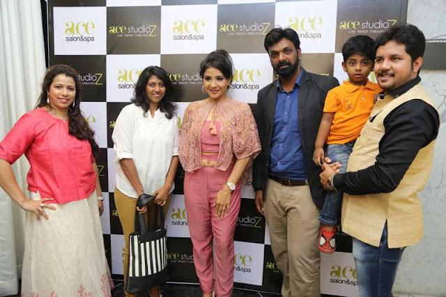 Sakshi Agarwal Inaugurates Ace Studioz Salon & Spa Event Stills