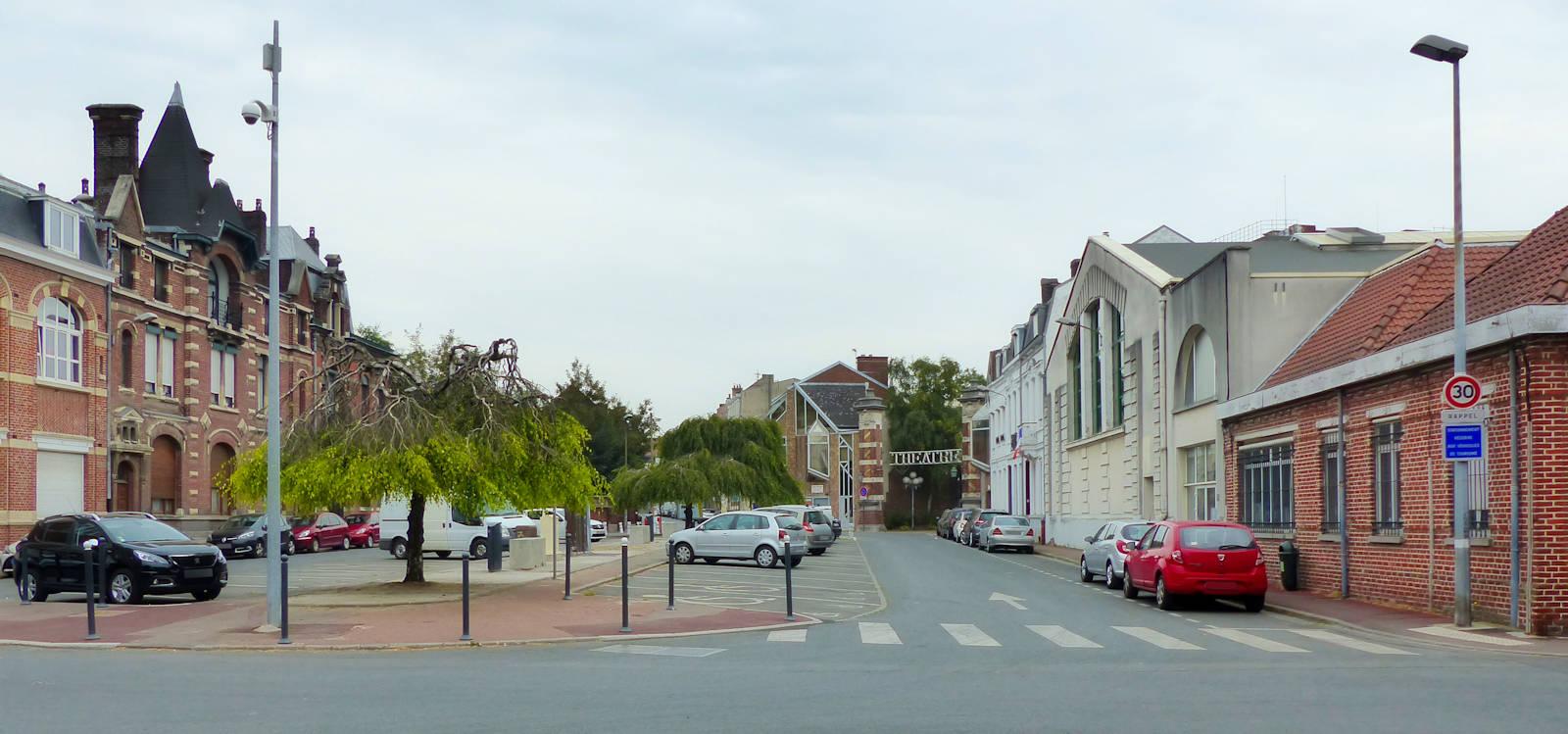 Tourcoing, Place du Théâtre - Association des Anciens Élèves de l'EIC.
