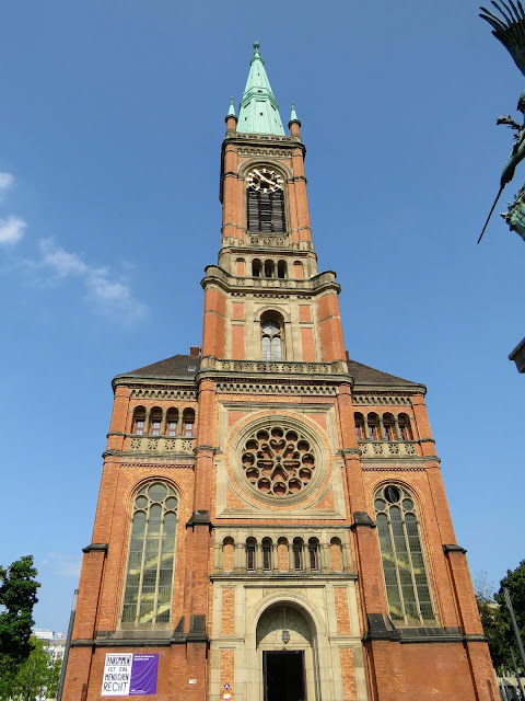 Things to do in Düsseldorf in a day: visit Johanneskirche