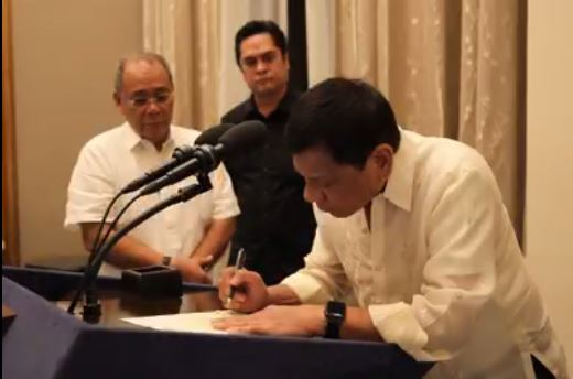 President Duterte signs Freedom of Information (FOI) EO