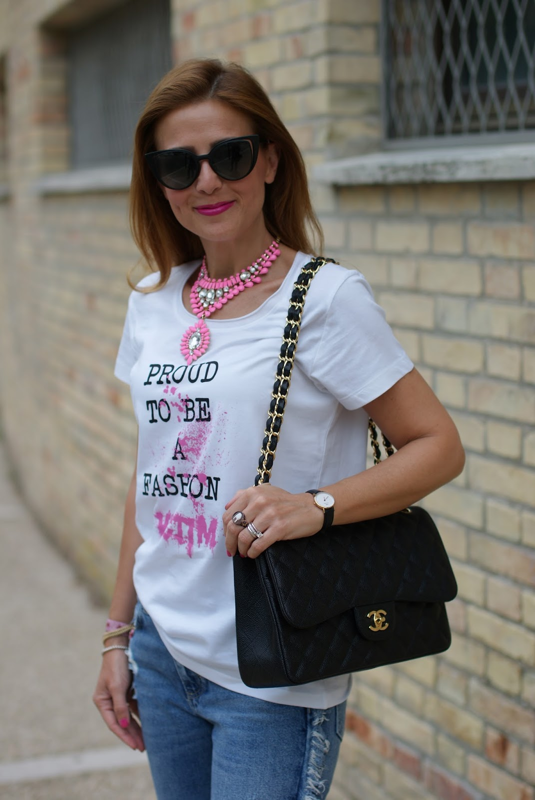 t-shirt proud to be a fashion victim and chanel 2.55 caviar bag on Fashion and Cookies fashion blog, fashion blogger style