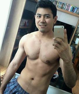 Gambar Pria Macho: Foto Pria Ganteng Indonesia