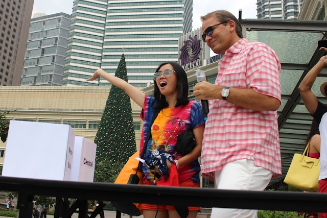 """Yes! I'm ready to go!"" the winner, Lim May Ling from Internal Audit waving her good bye to the cheering the crowd"