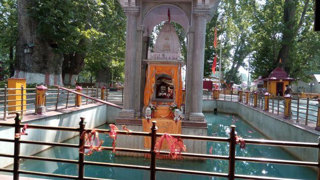 Sri Kheer Bhawani Temple