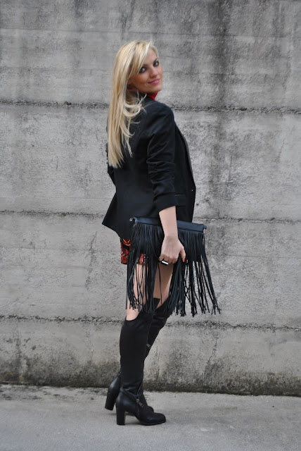 outfit borsa con frange come abbinare la borsa con le frange abbinamenti borsa con frange fringed bag outfit how to wear fringed bag how to combine fringed bag how to match fringed bag  outfit invernali outfit marzo 2016 outfit casual invernali mariafelicia magno fashion blogger color block by felym fashion blogger italiane fashion blog italiani fashion blogger milano blogger italiane blogger italiane di moda blog di moda italiani ragazze bionde blonde hair blondie blonde girl fashion bloggers italy italian fashion bloggers influencer italiane italian influencer