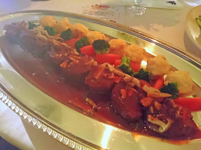 特選牛フィレ肉の煮込みの写真