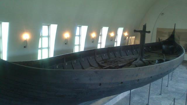 Barco Gokstad en el Museo de los Barcos Vikingos (Vikingskipshuset)