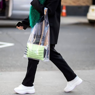 Brand fashion plastik yang bikin greget gaes