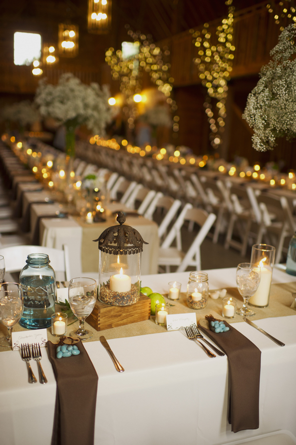 barn+wedding+rustic+horse+cowboy+cowgirl+babys+breath+centerpieces+bouquets+floral+arrangement+blue+baby+powder+burlap+woodland+organic+brown+barnhouse+groom+bridal+lace+bride+something+blue+Melissa+McCrotty+Photography+20 - Baby's Breath in the Barn