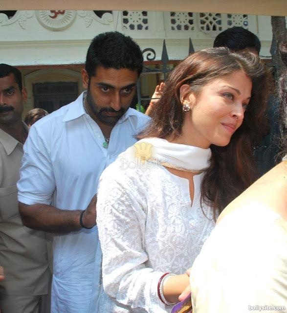Abhishek and   Aishwarya Rai at durga pooja