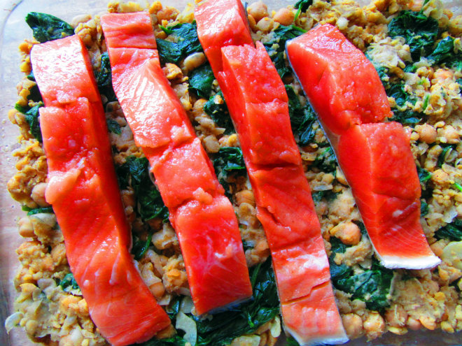 Salmon with chickpeas and capers by Laka kuharica: place salmon fillets over spinach and chickpea mixture