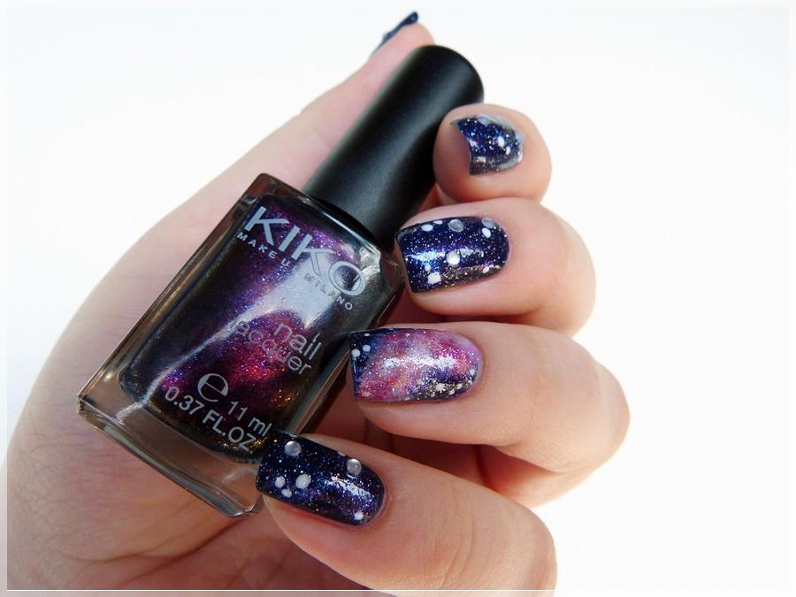 Nailart Galaxie auf den Nägeln
