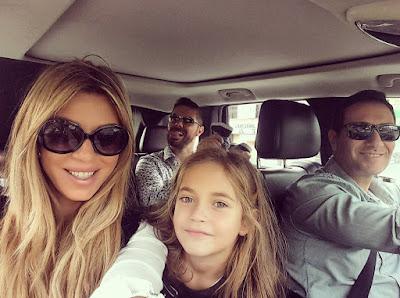 كارلا حداد وابنتها  واجمل صور جمعت بينهما