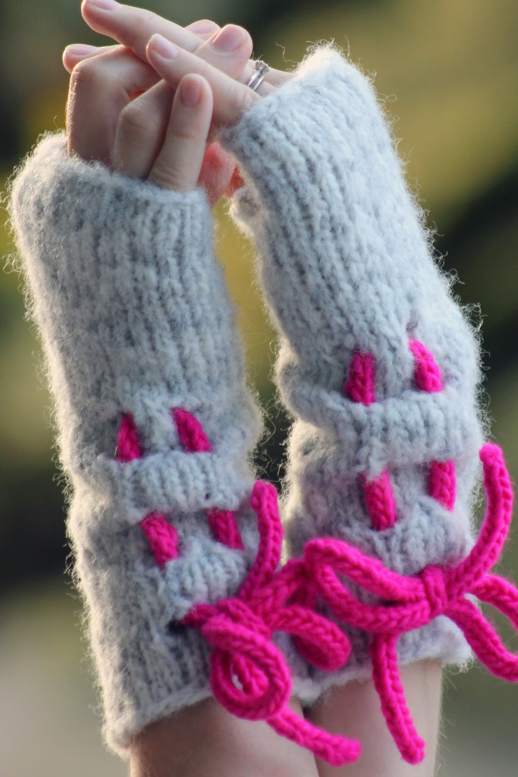 Balls to the Walls Knits: Ruched Mitts