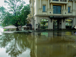 Ужгород. Театральная площадь после дождя