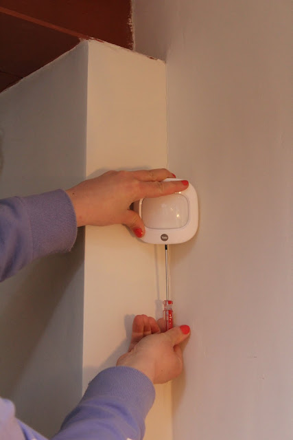 how to install yale PIR motion detectors