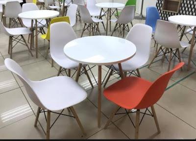 Cách bố trí số lượng ghế Eames phòng ăn đẹp và rộng 2