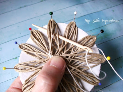 DIY Twine and raffia flowers with recycled paper leaves - Fiori di spago e rafia con foglie carta riciclata 9 - My Little Inspirations