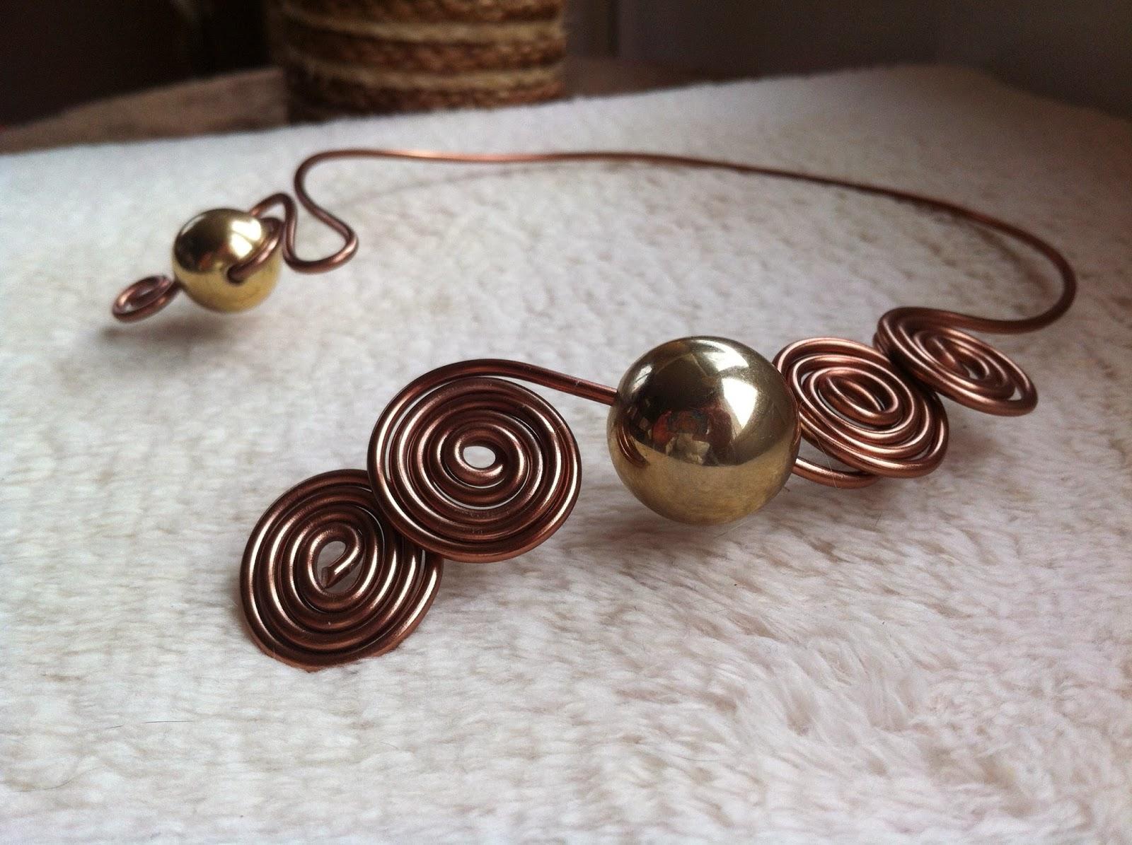 Fabuleux Bijoux en fil d'aluminium, bagues, boucles d'oreilles, colliers  MI18