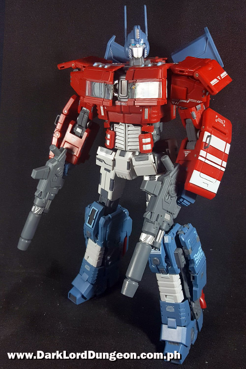 Transformers G-Studio Ultra Maxmas Optimus Prime