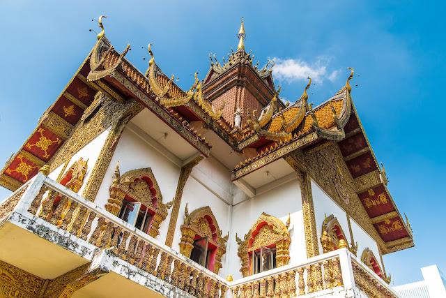 【泰國】初遊清邁必去景點,週六夜市、帕邢寺、夜間動物園,契迪隆寺! 9