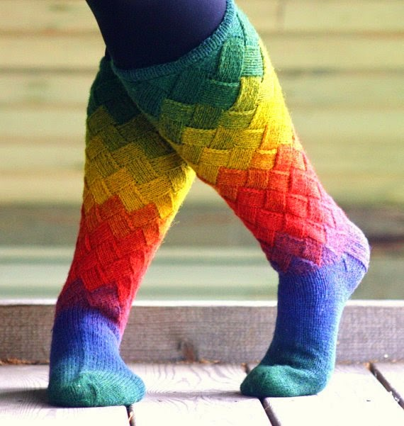 https://www.etsy.com/listing/162355071/hand-knit-wool-socks-for-women-free?ref=favs_view_4