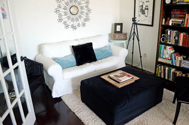 living+room A Colorful Home Tour: Woman in Real Life {Color My Home Summer Blog Series} 31