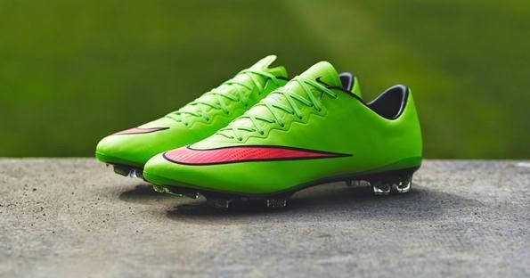 c28ac7bc77cc Именно новые Nike Mercurial Superfly и Magista, совместно с бутсами  Hypervenom, стали основными героями рекламных и промо-компаний Nike в ...
