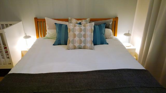 Saippuakuplia olohuoneessa. blogi, kuva Hanna Poikkilehto, makuuhuone, sisustus, koti, ikea,