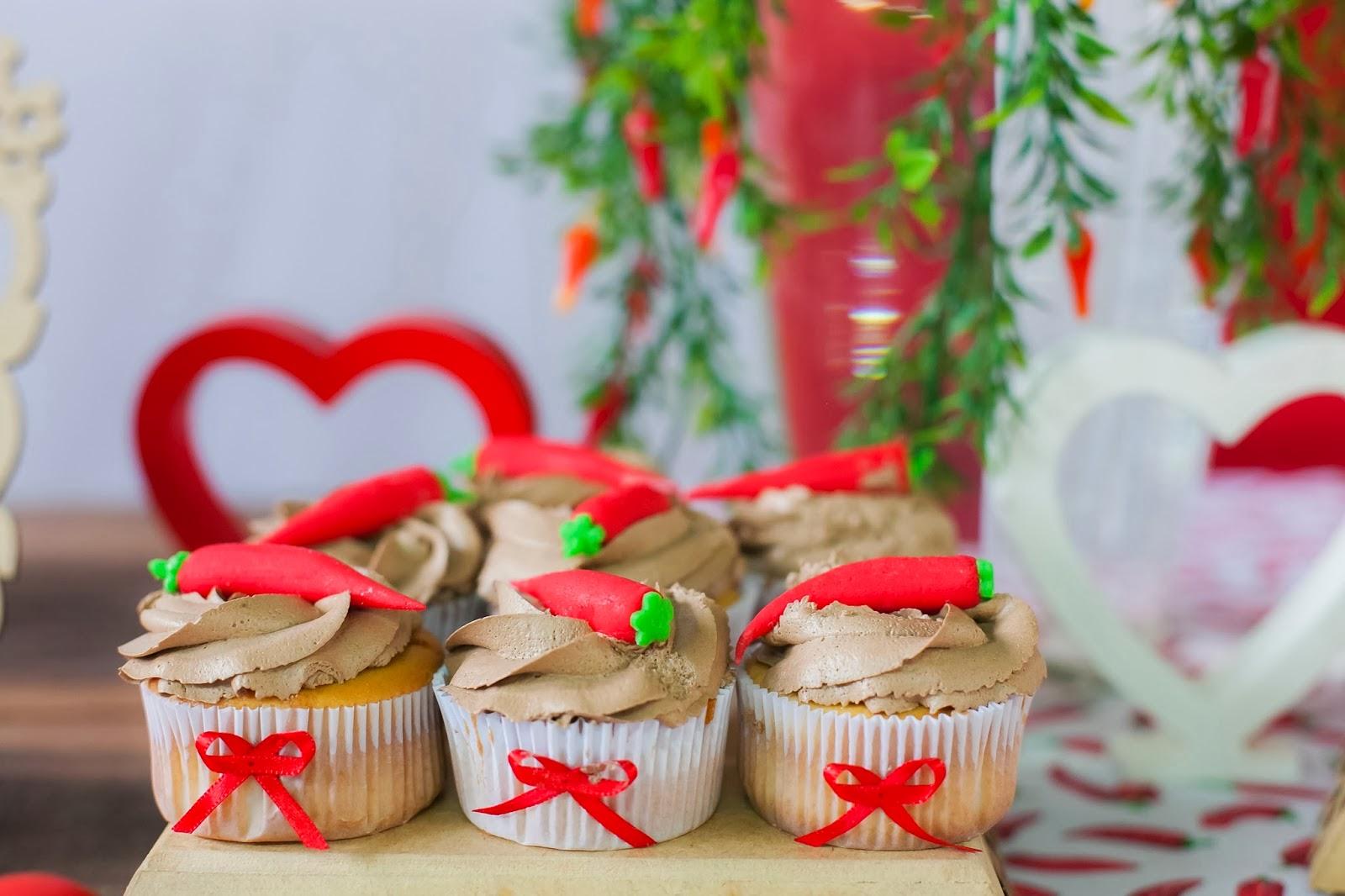 cha-lingerie-picante-tema-pimenta-cupcake