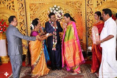 Producer-LMM-Muralidharan-Son-M-Gokul-Krishnan-Wed-s-S-Roopini-Marriage-Reception