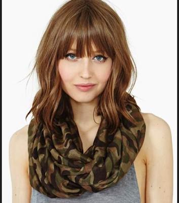model rambut layer poni lurus