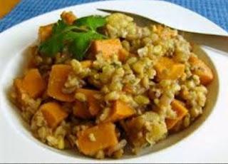 Bubur Beras Campur Kacang dan Sayuran (Kitchri)