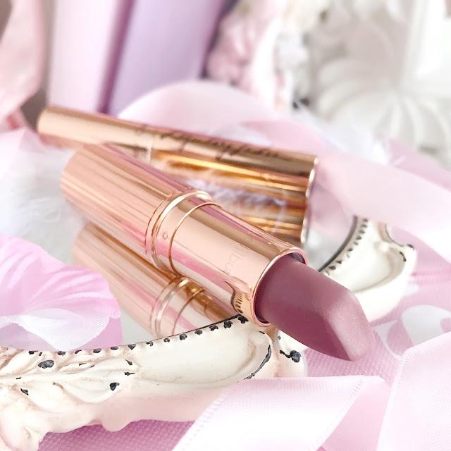 Charlotte Tilbury | Very Victoria Matte Revolution Lipstick