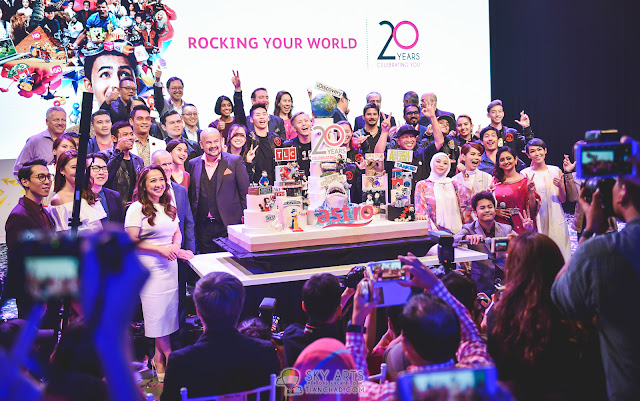 Astro's 20th Anniversary Cake by TLC