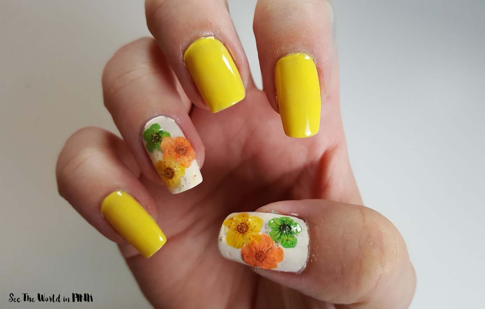 Manicure Tuesday - Pressed Flower Manicure!