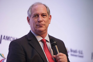 Ciro Gomes chega à JP para lançamento de pré-candidatura da vice-governadora Ligia Feliciano