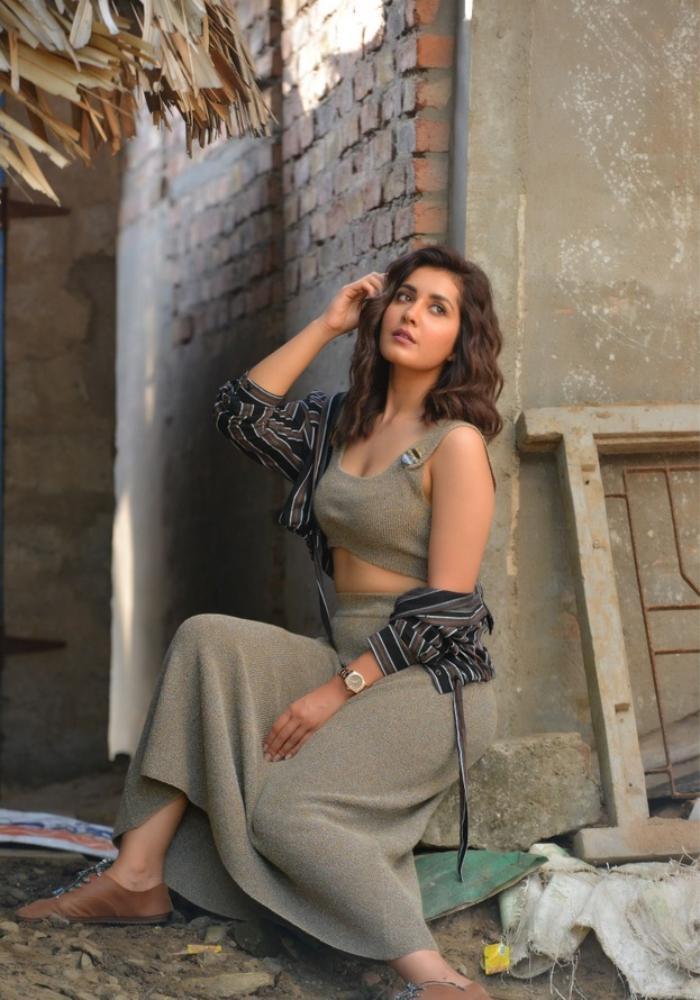 Indian Actress Rashi Khanna New Photoshoot hd Images