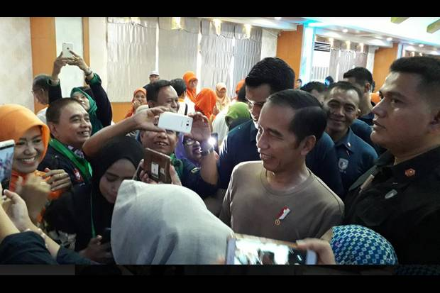 Jokowi: Memangnya Saya Mesin...