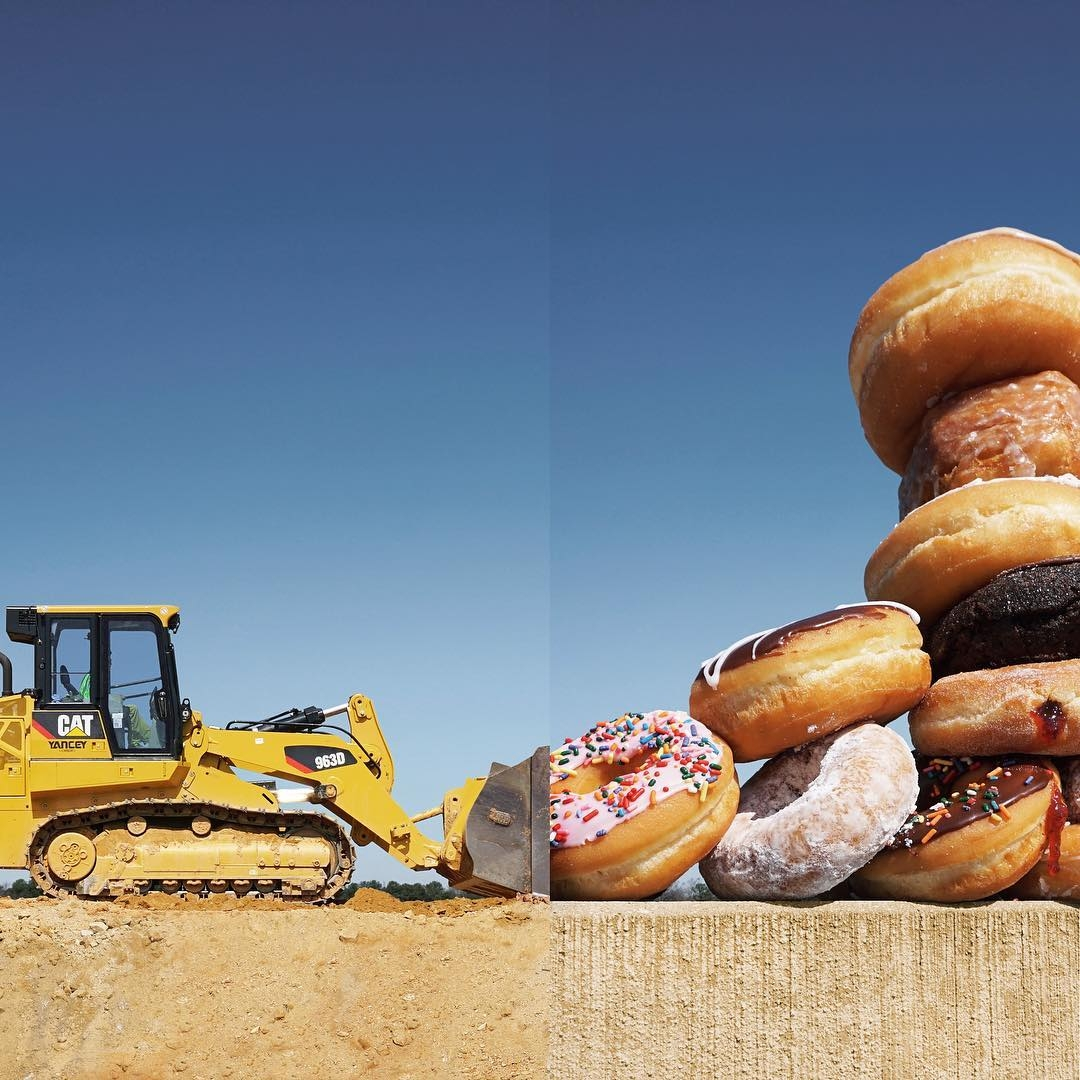 12-Loader-Donuts-Stephen-McMennamy-Two-Photographs-Joined-to-Make-a-Scene-www-designstack-co