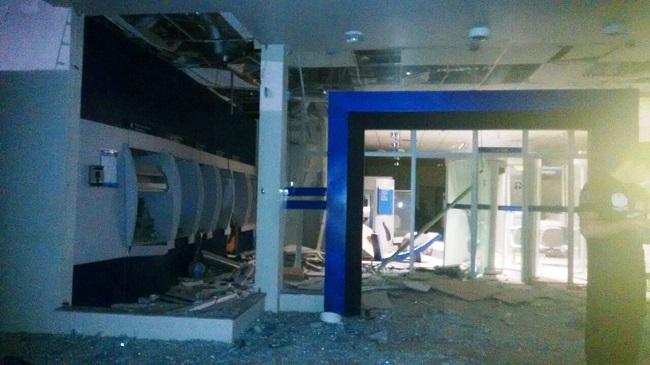 Criminosos atacam a cidade de Campos Sales e explodem agência da Caixa na madrugada de hoje