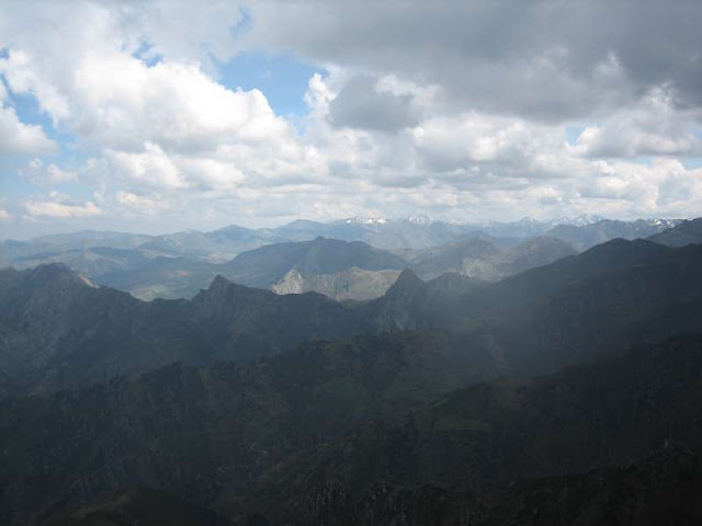 Vista desde Peña Mea de la zona oriental de Asturias